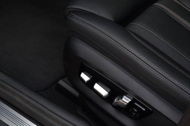"BMW 5 Serie Touring 530d 286pk M-Sport Pano DA+ PA+ Laser 21"" Adp-drive HUD afbeelding 9"