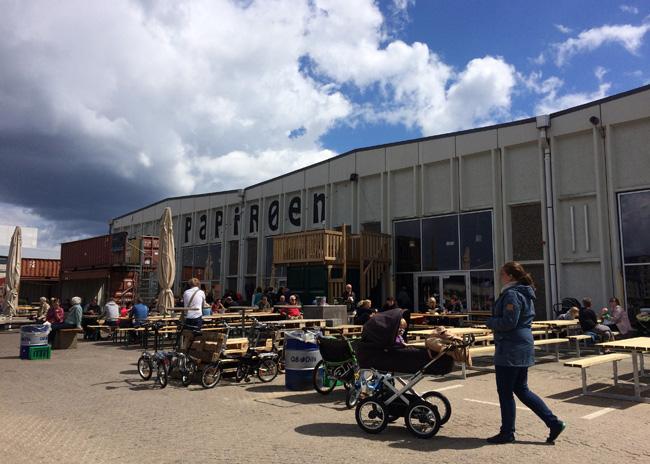 Papiroen food market