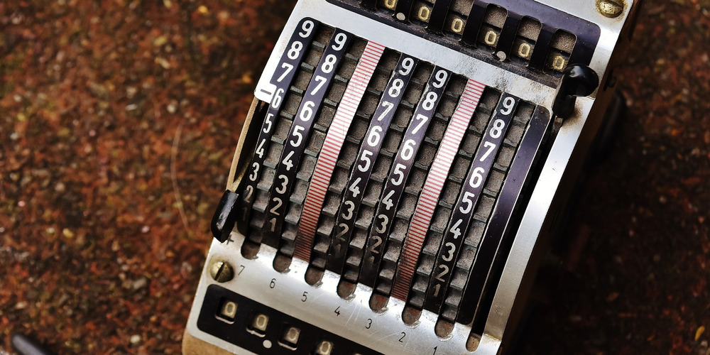 An old calculator (resulta 7)