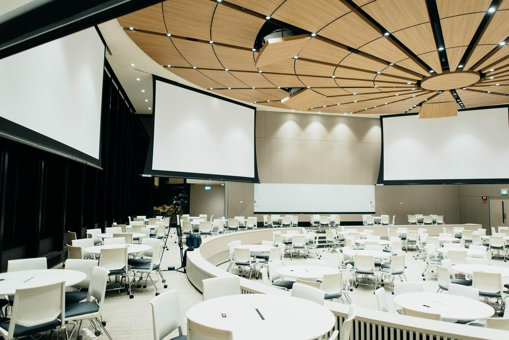 Upcoming R conferences (2018)