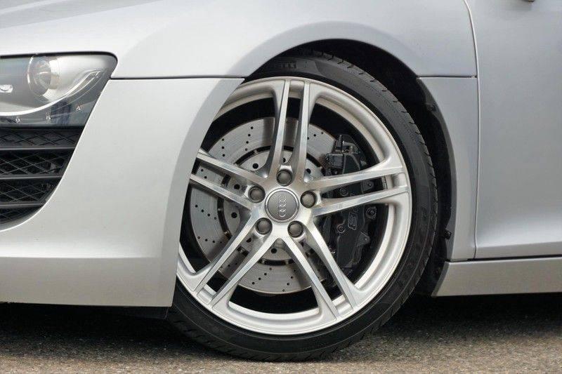 Audi R8 4.2 V8 FSI / 49dkm NAP / 1e eigenaar / B&O / R-Tronic / Orgineel Nederlands! / Navigatie afbeelding 3