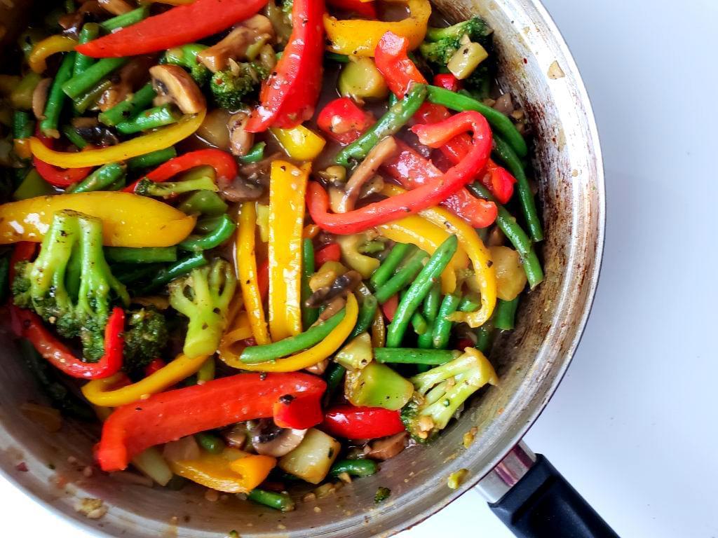 Vegetables in sweet ginger stir-fry sauce