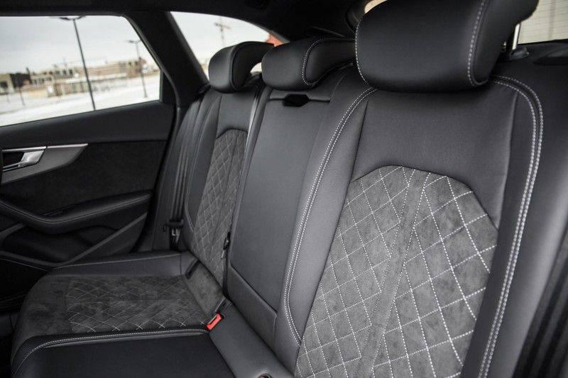 Audi RS4 Avant 2.9 TFSI 450 pk RS 4 quattro   Panoramadak   Assistentiepakket Tour/City   Matrix LED   Bang & Olufsen 3D Sound afbeelding 19