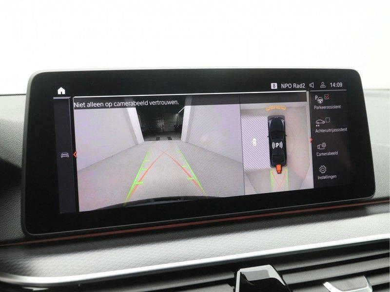 BMW 5 Serie Sedan 520i High Executive M-Sport Automaat afbeelding 17