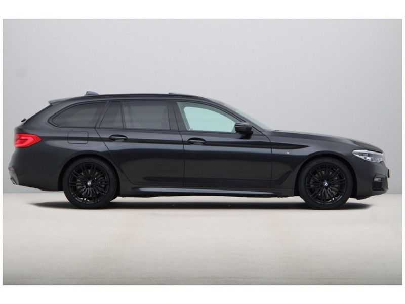 BMW 5 Serie Touring 520i High Executive Edition afbeelding 12