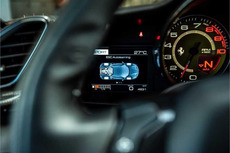 Ferrari 488 3.9 GTB HELE | Carbon | Passenger Display | Lifting | NP350.000,- afbeelding 8