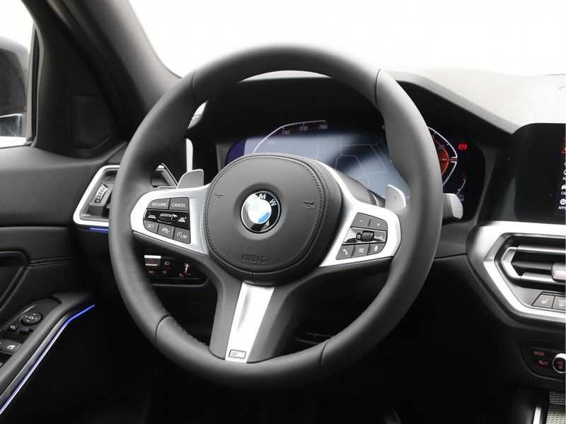 BMW 3 Serie 320i High Executive Model M Sport afbeelding 7