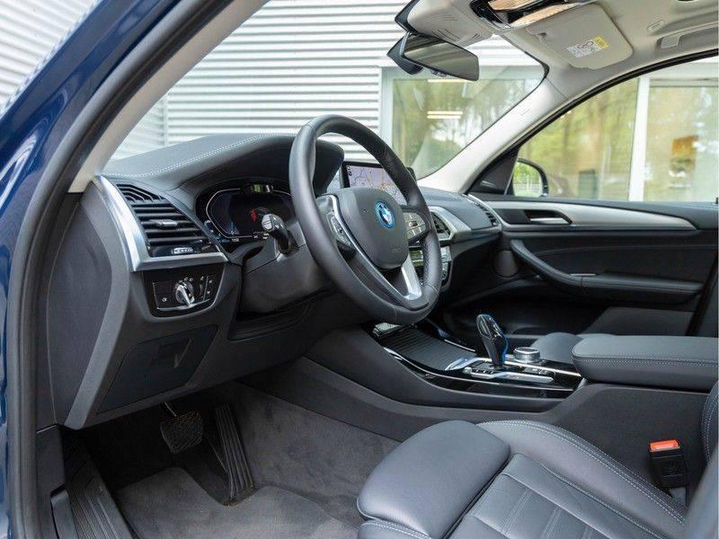 BMW iX3 High Executive - Direct Beschikbaar! afbeelding 24