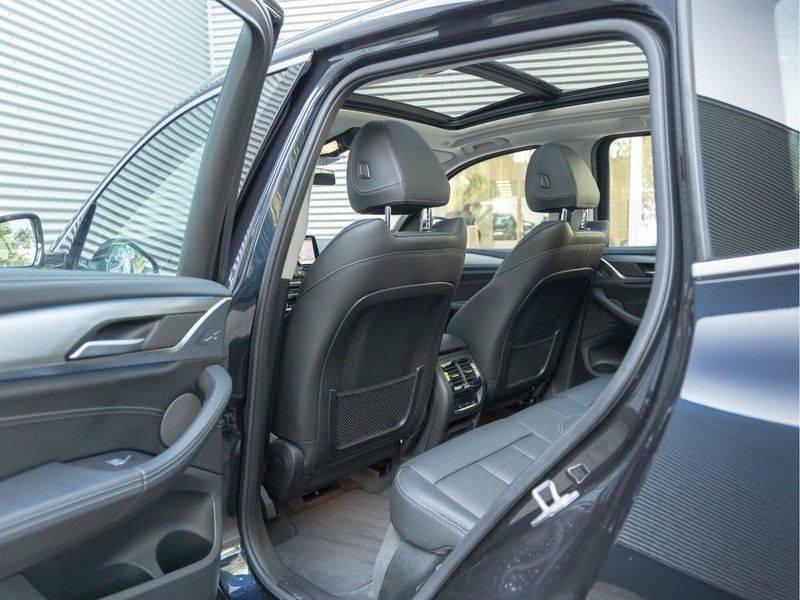 BMW iX3 High Executive - Direct Beschikbaar! afbeelding 17