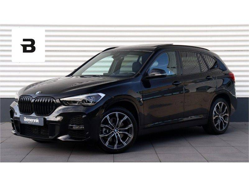 BMW X1 xDrive20i High Executive M Sport Panoramadak, Head Up Display, Trekhaak afbeelding 1