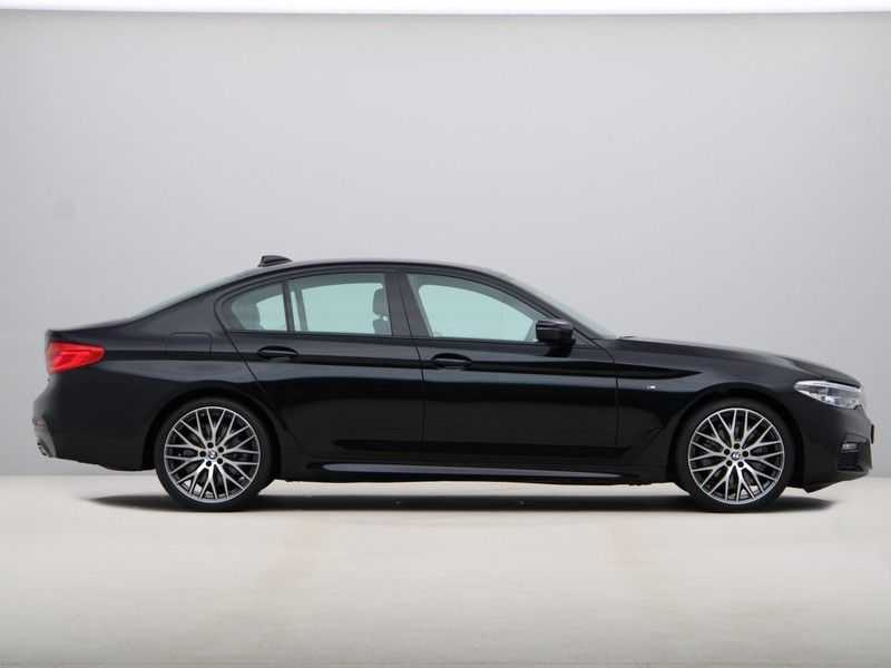 BMW 5 Serie 520i High Exe Aut. M-Sport afbeelding 6