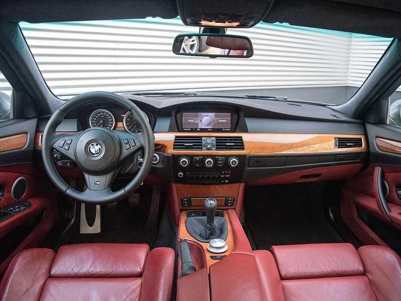 BMW 5 Serie M5 H6 - Manual - Volleder - 79.998km! afbeelding 6