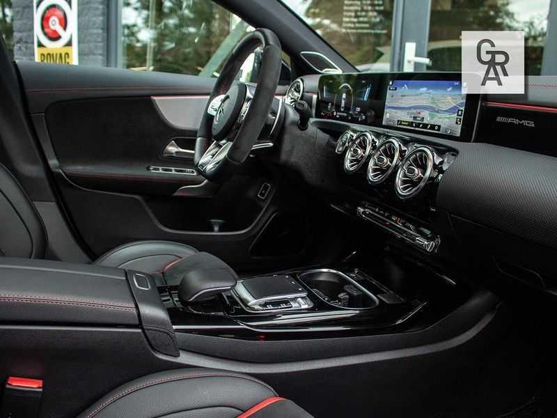 Mercedes-Benz CLA35 AMG klasse CLA35 AMG 4MATIC Premium Plus afbeelding 14