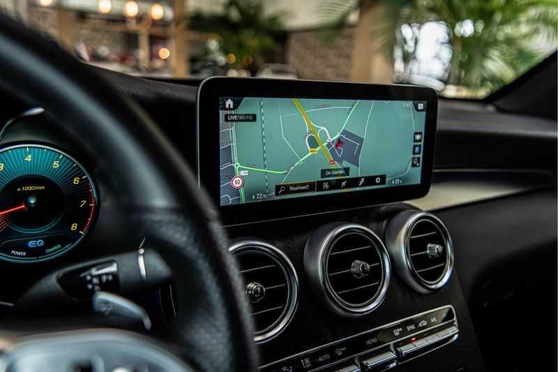 Mercedes-Benz GLC Coupé 300 4MATIC   360° camera   Panorama   Widescreen   Keyless afbeelding 14