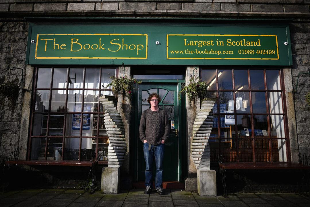 Шон Байтелл около своего магазина. Фото: Getty Images