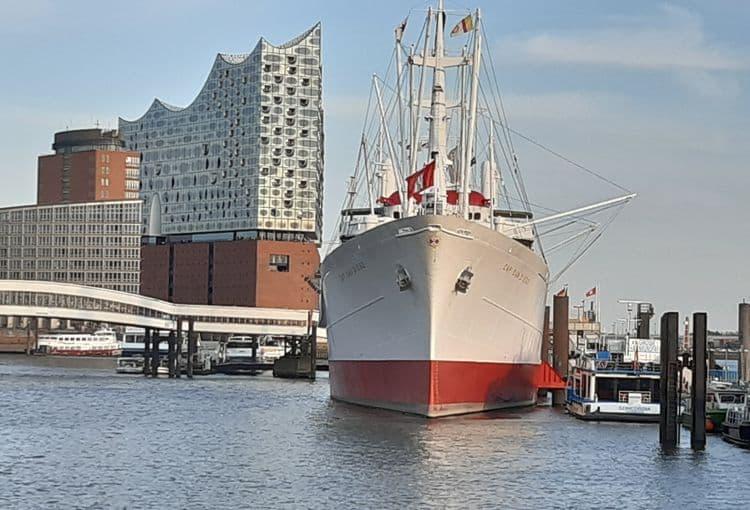 Elbphilharmonie im Hamburg Hafen