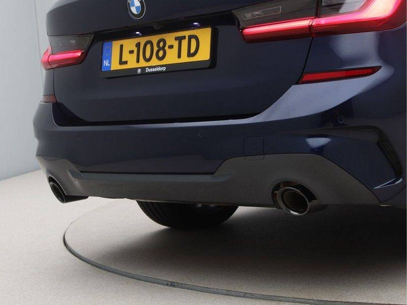 BMW 3 Serie 330Xe Touring High Exe M-Sport afbeelding 21