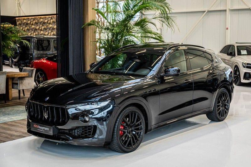Maserati Levante 3.0 V6 D AWD | BTW | Black pack | Pano | Rood sticksel | Harman Kardon | Voertuigvolgsysteem | Nieuwe onderhoudsbeurt | afbeelding 4