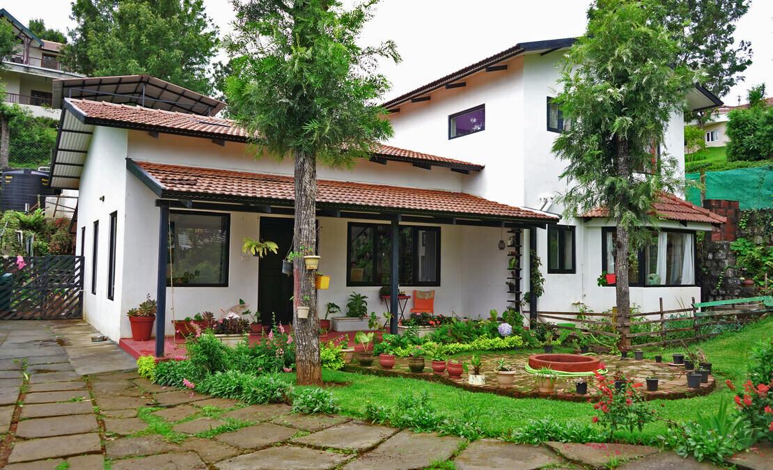 House in Sua Serenitea Malhar Beautiful garden