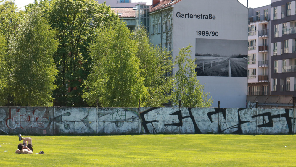 An image of the Berlin Wall