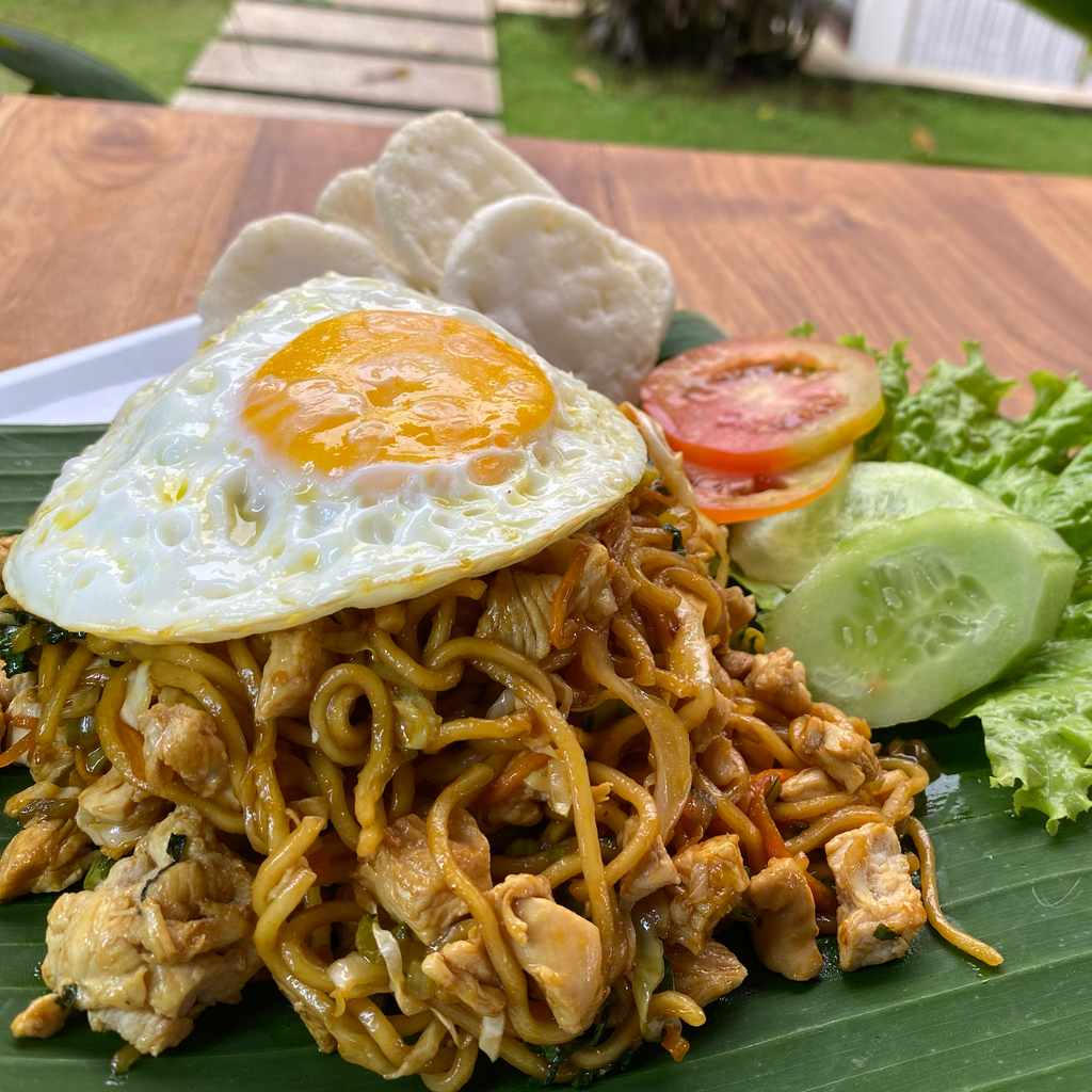 indonesian: mie goreng special