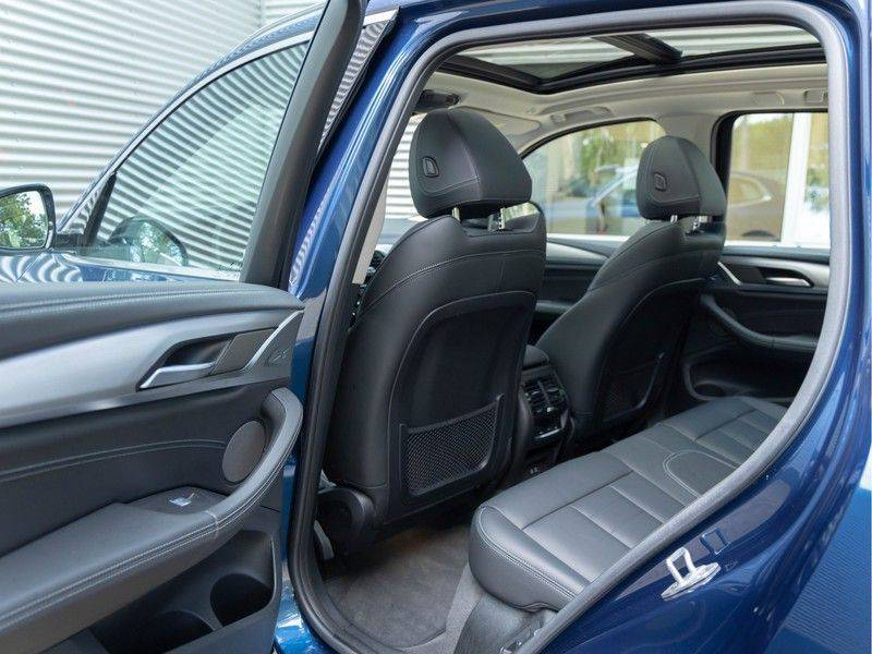 BMW iX3 High Executive - Direct Beschikbaar! afbeelding 20