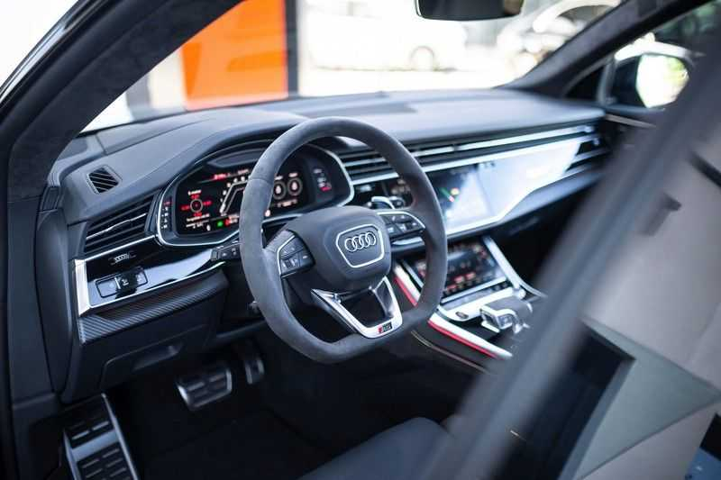 "Audi RS Q8 4.0 TFSI Quattro *RS-Dynamic Plus / Keramisch / Massage / HUD / 23"" / B&O* afbeelding 4"