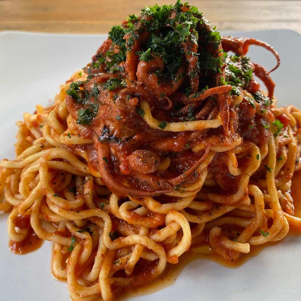 specials: spaghetti ai moscardini