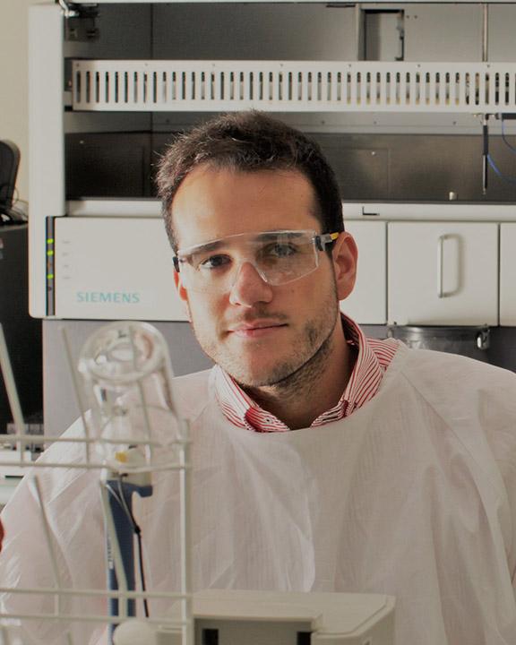 Dr Daniel Calandro