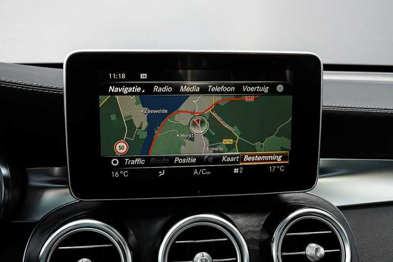 Mercedes-Benz GLC 250 4MATIC Sport Edition AMG Pano Trekhaak Camera 360° afbeelding 16