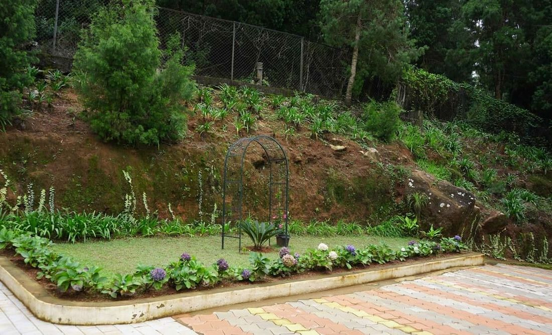 Quail Hill Carmel House Beautiful garden