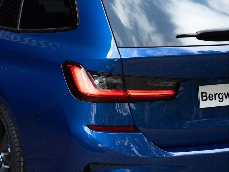 BMW 3 Serie Touring 330i M-Sport - Panorama - Driving Assistant Professional - DAB afbeelding 9