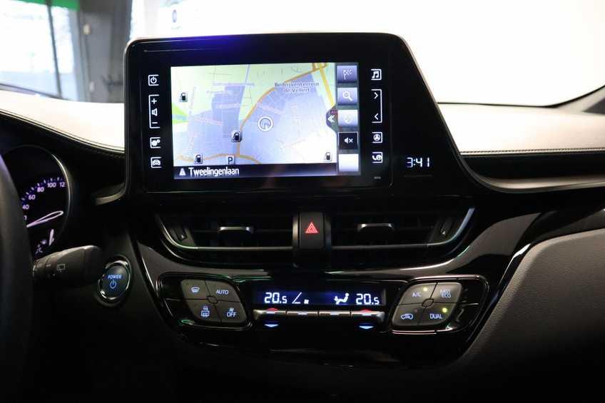"""Toyota C-HR 1.8 Hybrid Navigatie Camera 17""""LM afbeelding 10"""