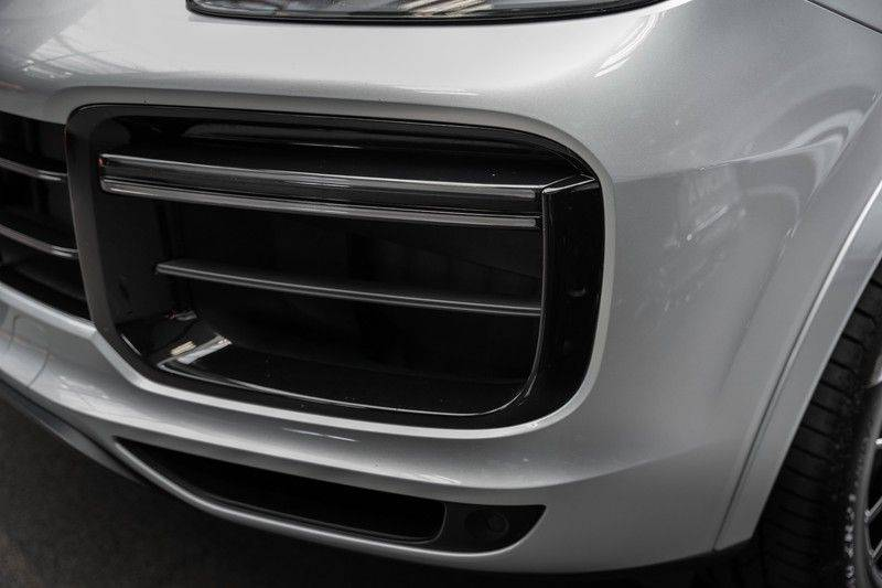 Porsche Cayenne Turbo Pano Bose Keyless Adaptive Cruise Control afbeelding 17