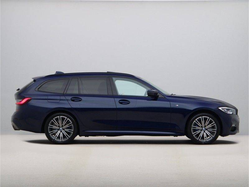 BMW 3 Serie Touring 330e xDrive High Executive M-Sport Automaat afbeelding 8