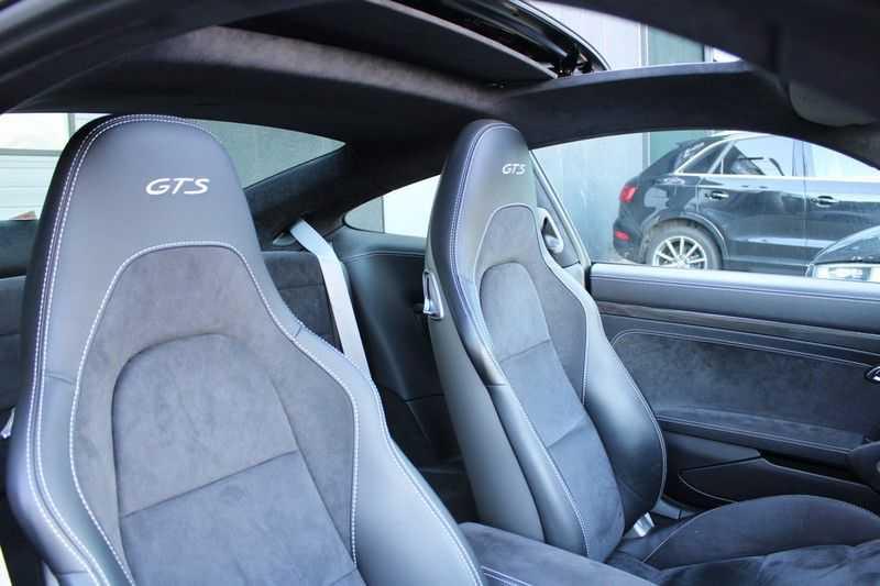 Porsche 911 3.0 Carrera 4 GTS afbeelding 2