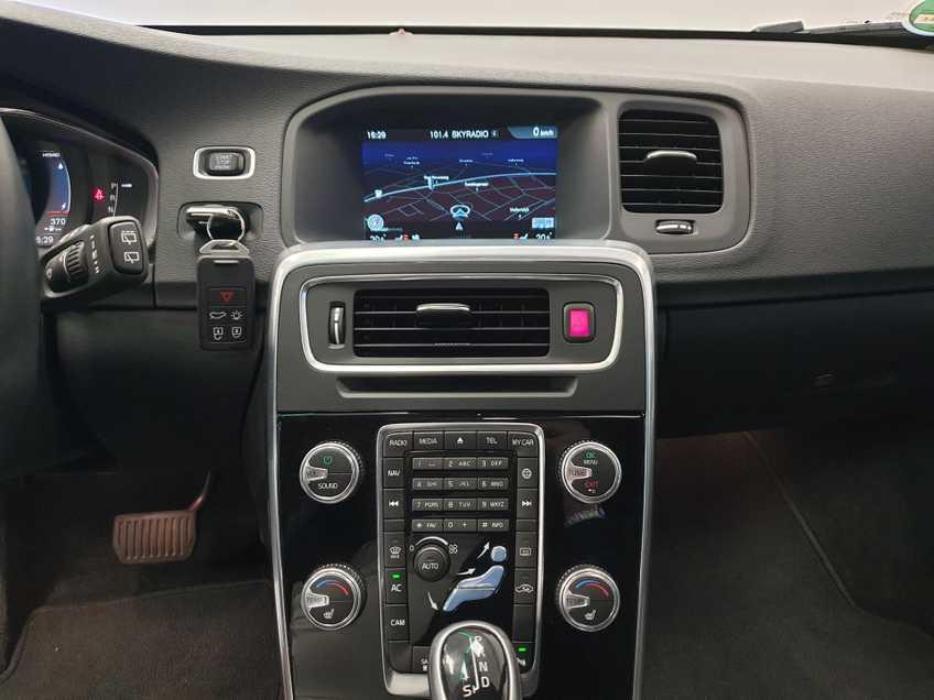 "Volvo V60 2.4 D6 Twin Engine Summum EX BTW Blis Xenon Opendak Navi AD Cruise 18""LM afbeelding 20"