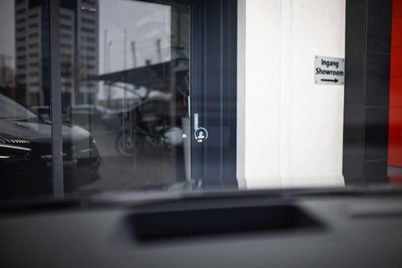 Mercedes-Benz GLA 200 AMG Line *Pano / HUD / Memorystoelen / 360 Cam / Burmester* afbeelding 2