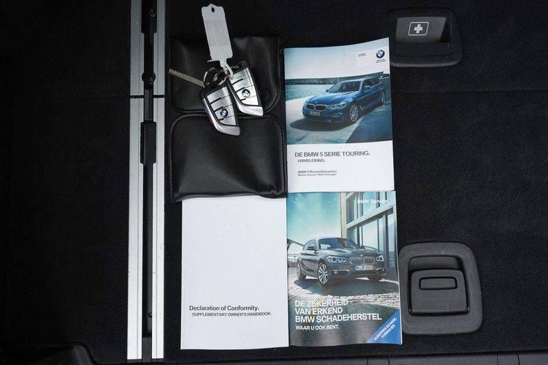 """BMW 5 Serie M550d X-Drive M-Pakket Shadow B&W Camera 360° Massage 20"""" afbeelding 7"""