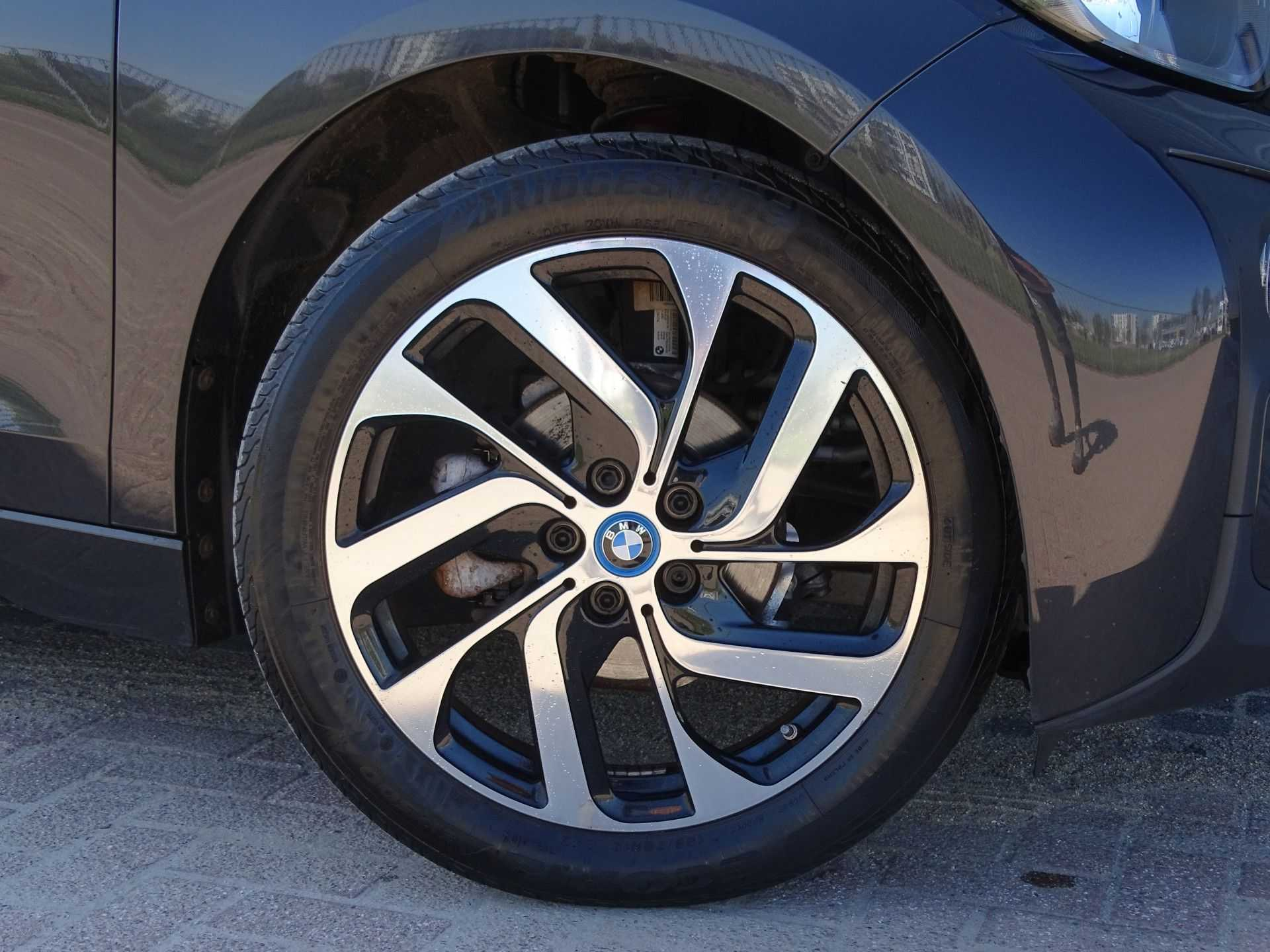 BMW i3 Basis Comfort Advance 22 kWh Marge Warmtepomp Navigatie Clima Cruise Panorama afbeelding 12
