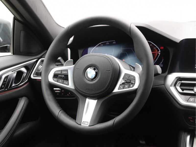BMW 4 Serie Coupé 420i High Exe M-Sport Aut. afbeelding 9