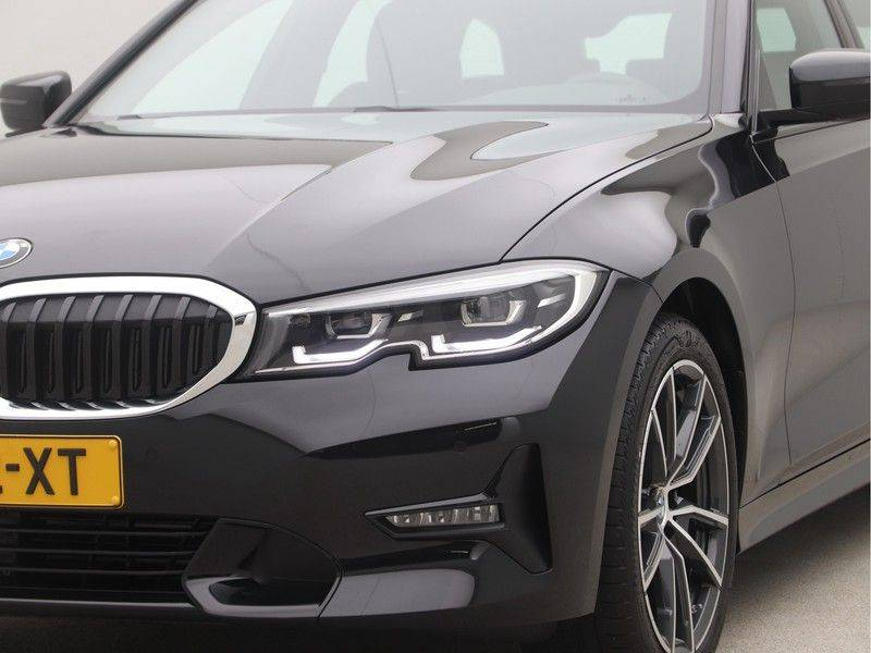 BMW 3 Serie Touring 318i Executive Sport Line Automaat afbeelding 19