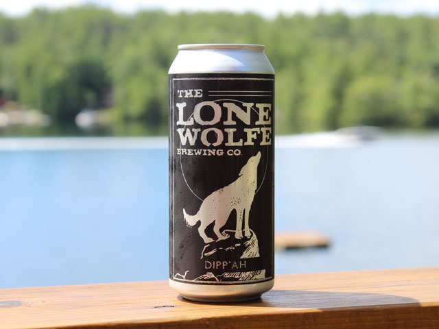 Dipp'ah, a Double IPA brewed by Lone Wolfe Brewing Company