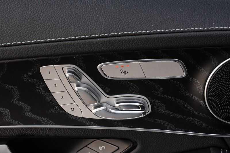 Mercedes-Benz GLC 250 4MATIC Sport Edition AMG Pano Trekhaak Camera 360° afbeelding 25