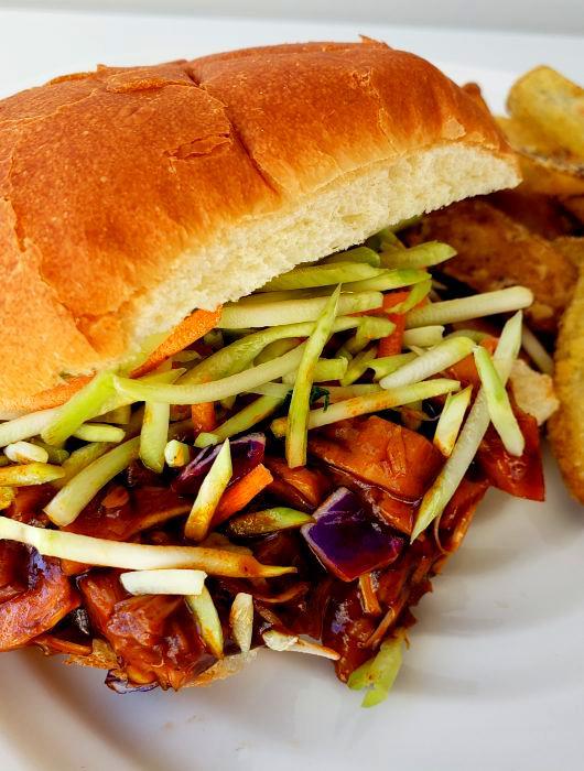 Pulled Pork BBQ Sandwich | Plant-Based