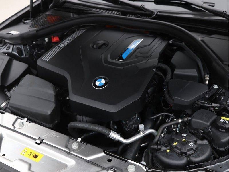 BMW 3 Serie 320e High Exe M-Sport Aut. Hybrid afbeelding 4