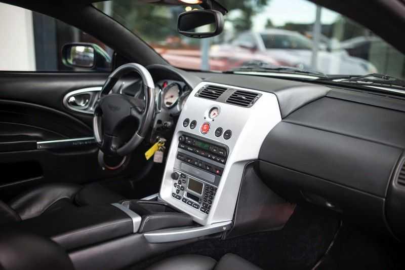 Aston Martin V12 Vanquish 5.9 *Absolute nieuwstaat!* afbeelding 14