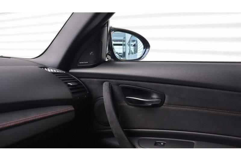 BMW 1 Serie Coupe 3.0i M Akrapovic, Harman/Kardon, Comfort Access afbeelding 15