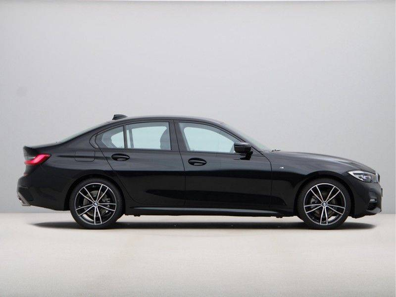 BMW 3 Serie 320i High Exe M-Sport Aut. afbeelding 8
