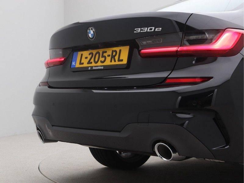 BMW 3 Serie Sedan 330e High Executive M-Sport Automaat afbeelding 22